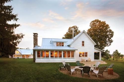 Farmhouse Style Full of Charm & Style